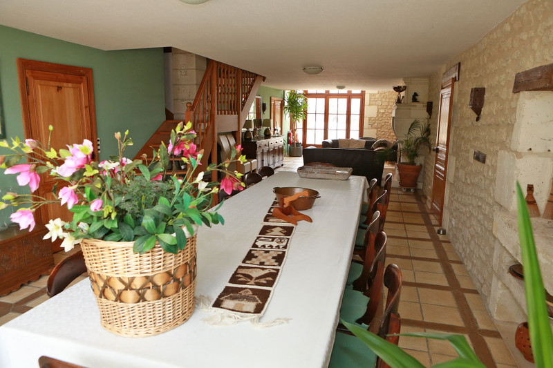 French property for sale in Salles-Lavalette, Charente - €685,000 - photo 5