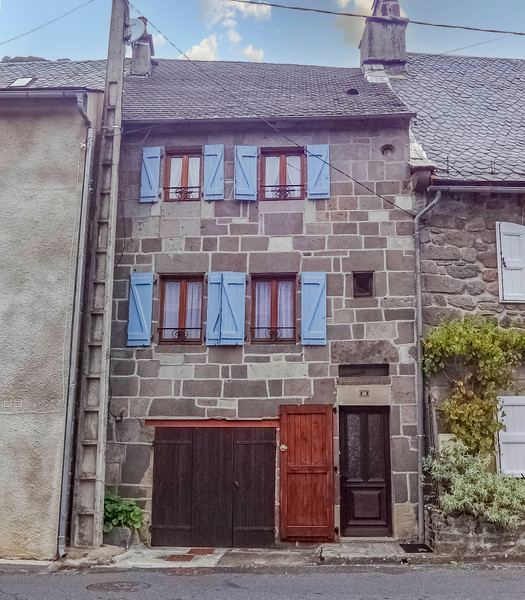 French property for sale in Laveissière, Cantal - €116,630 - photo 2