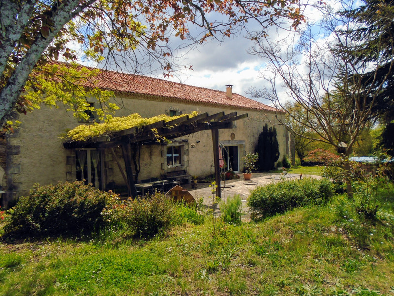 French property for sale in Luchapt, Vienne - €267,500 - photo 3