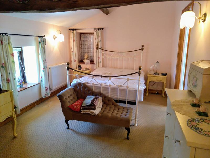 French property for sale in Saint-Pardoux, Deux Sevres - €256,800 - photo 6