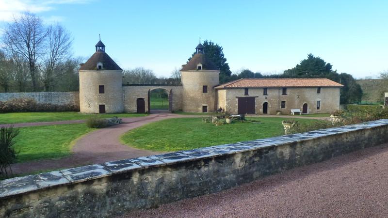 French property for sale in La Chapelle-Bâton, Deux Sevres - €1,260,000 - photo 5