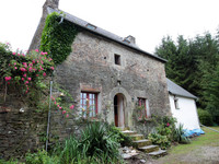 French property, houses and homes for sale in Motreff Finistère Brittany