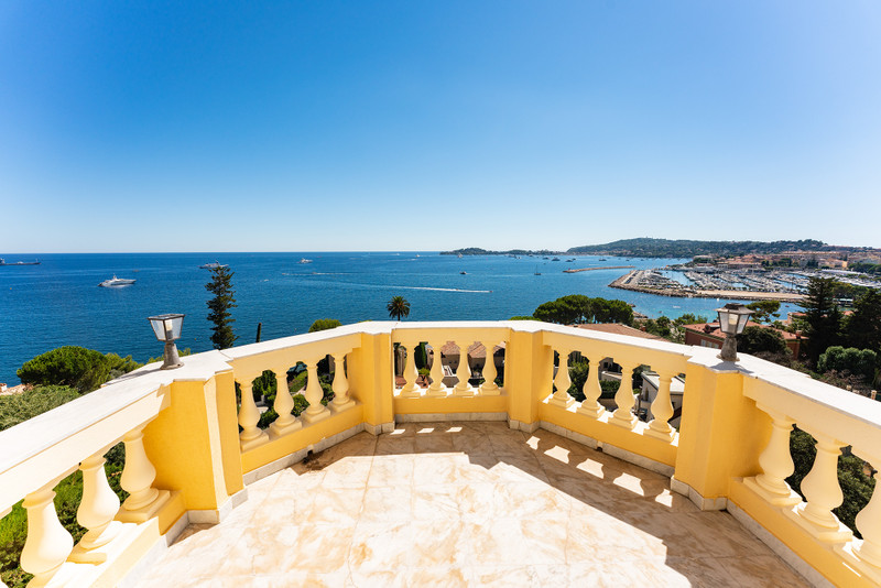 French property for sale in Beaulieu-sur-Mer, Alpes-Maritimes - €3,950,000 - photo 4