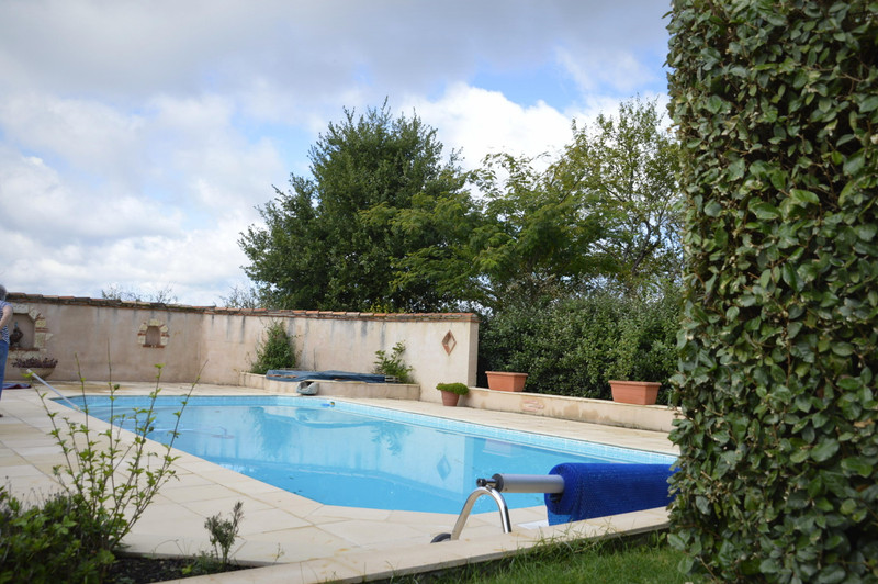 French property for sale in Sainte-Livrade-sur-Lot, Lot et Garonne - €349,747 - photo 6