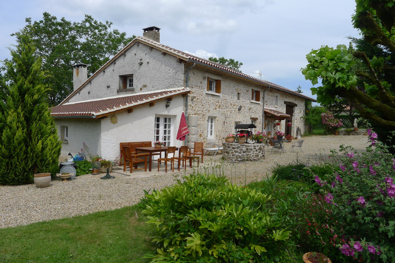 French property for sale in Saint-Sornin, Charente - €315,650 - photo 4