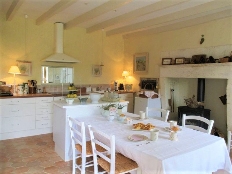French property for sale in Salles-Lavalette, Charente - €349,800 - photo 3