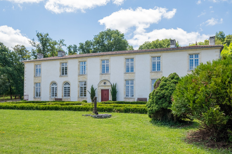 French property for sale in Saint-Émilion, Gironde - €2,625,000 - photo 2