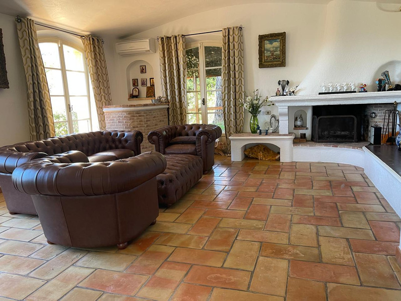 French property for sale in Mougins, Alpes Maritimes - €1,100,000 - photo 9