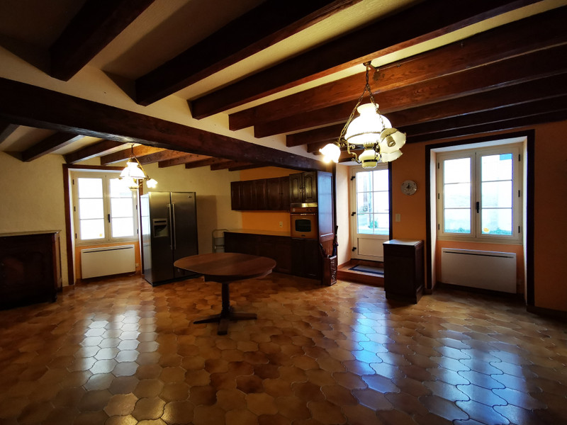 French property for sale in Burie, Charente-Maritime - €125,350 - photo 3