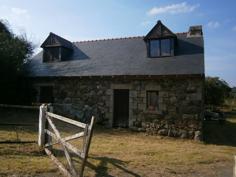 French property for sale in Plourac'h, Côtes-d'Armor - €162,410 - photo 3