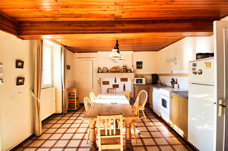 French property for sale in Les Gours, Charente - €152,600 - photo 5