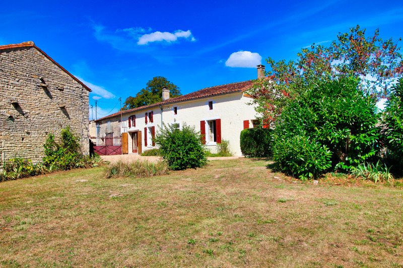 French property for sale in Néré, Charente-Maritime - €149,330 - photo 8