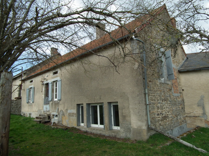 French property for sale in Auzances, Creuse - €99,000 - photo 3