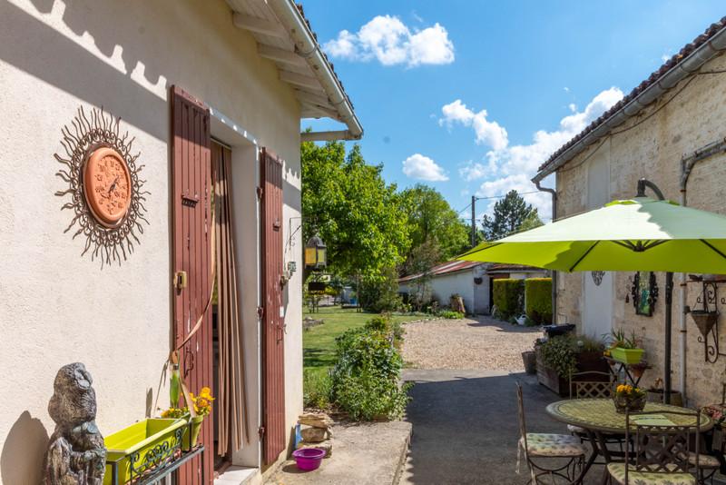 Maison à vendre à Cressé, Charente-Maritime - 172 800 € - photo 7