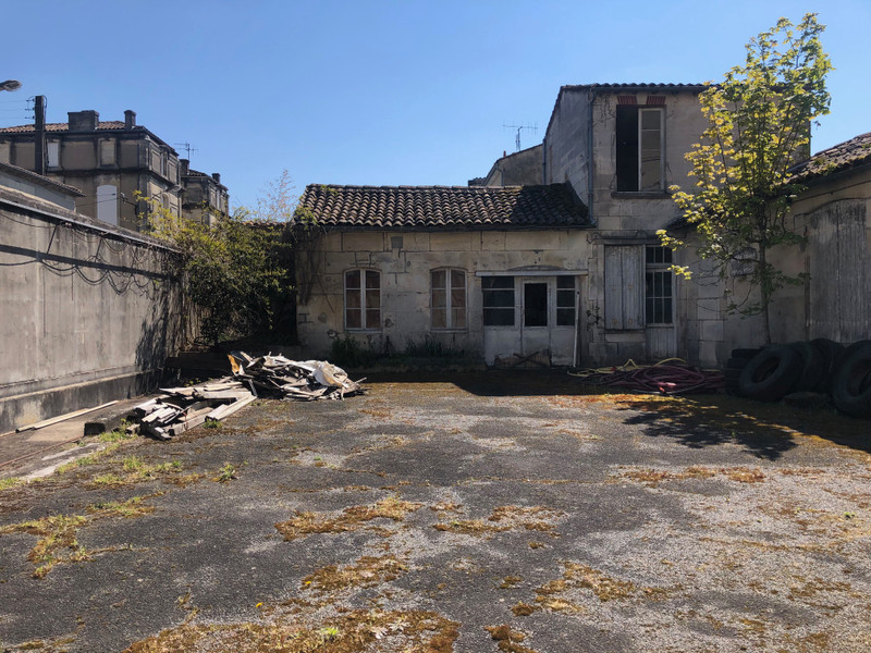 French property for sale in Cognac, Charente - €355,000 - photo 3