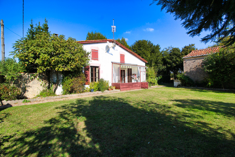 French property for sale in La Villedieu, Charente-Maritime - €230,050 - photo 4