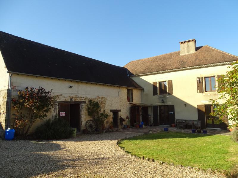 French property for sale in Montignac, Dordogne - €367,500 - photo 3