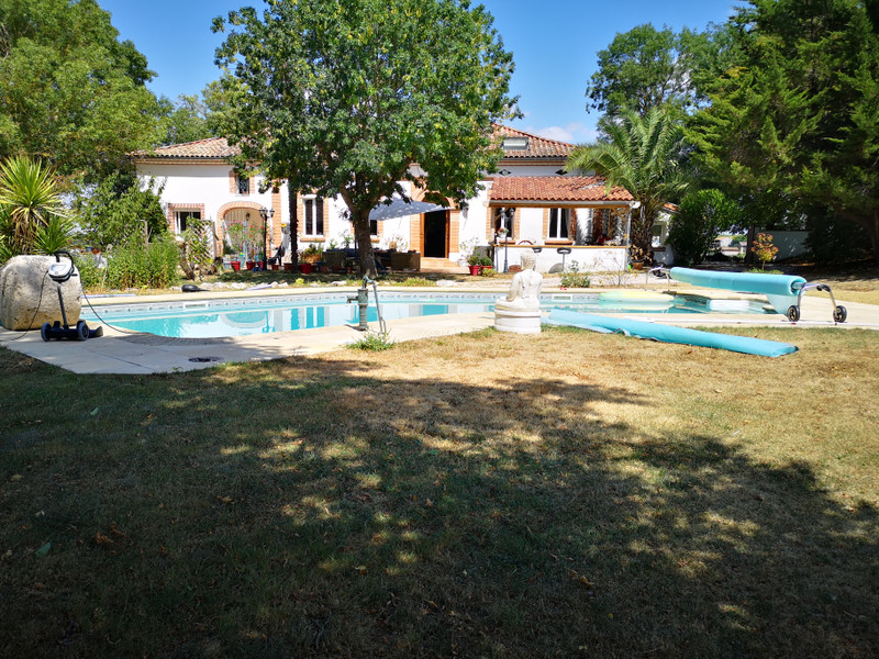 French property for sale in L'Isle-Jourdain, Gers - €695,000 - photo 6