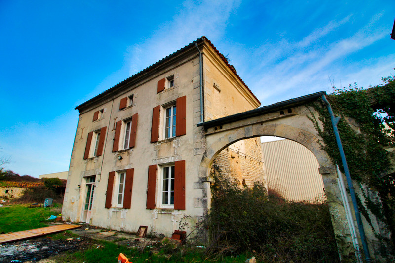 French property for sale in Verdille, Charente - €51,600 - photo 10