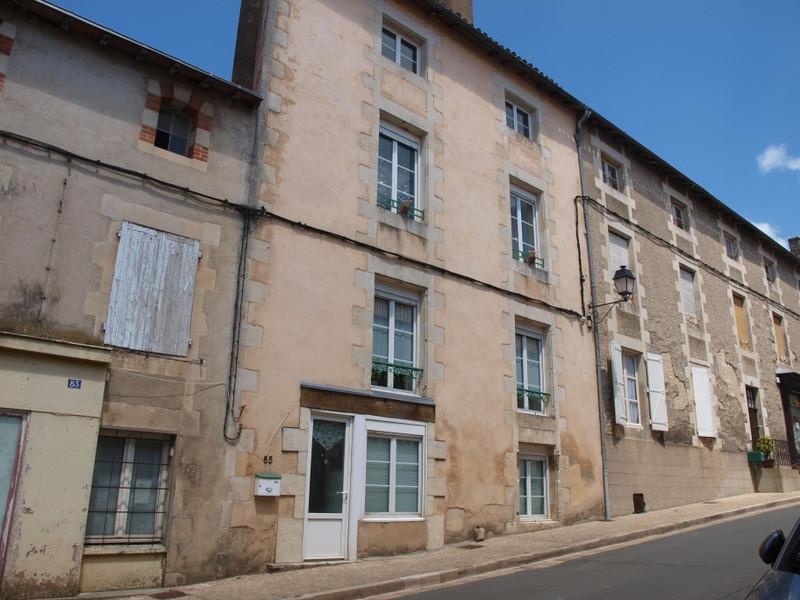 Maison à vendre à Valence-en-Poitou, Vienne - 137 340 € - photo 2