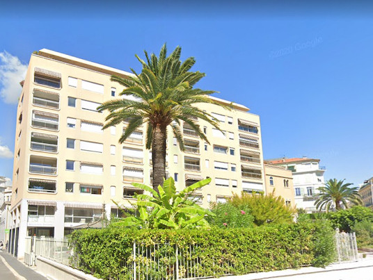 French property for sale in Nice, Alpes Maritimes - €450,000 - photo 6