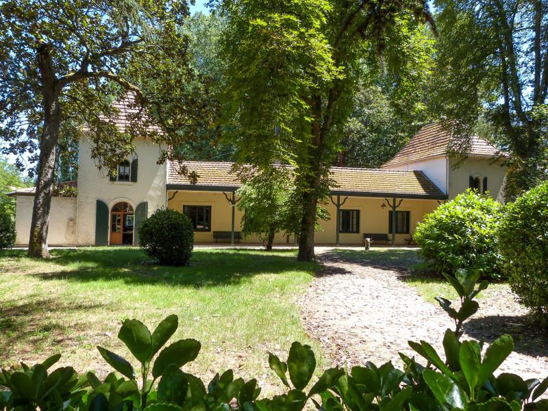 French property for sale in Casteljaloux, Lot-et-Garonne - €556,500 - photo 9