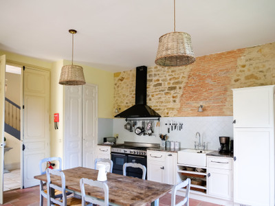 Sumptuous 18th Century Manoir, six bedrooms, pool, cottage to renovate, barn. Close to beautiful villages.