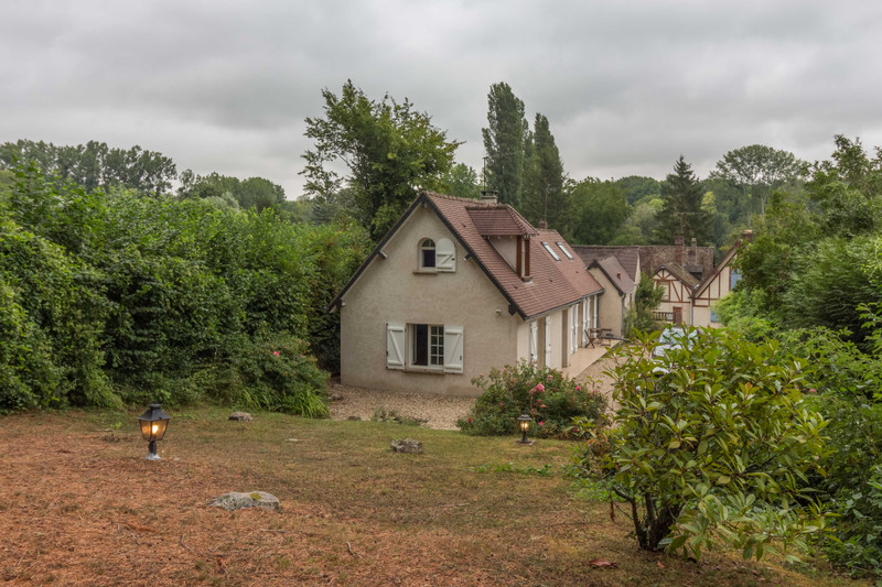 French property for sale in Gisors, Eure - €350,000 - photo 10