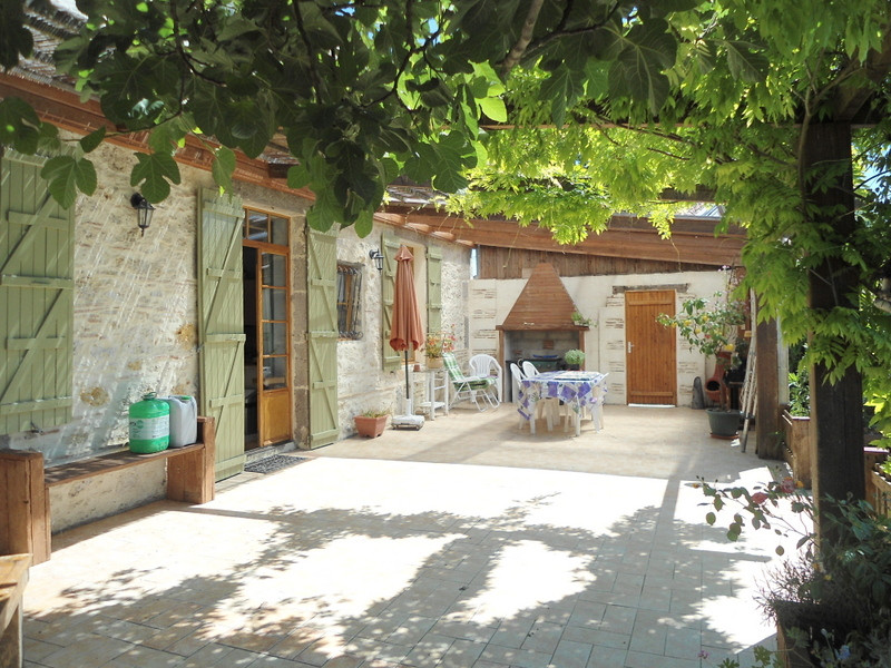 French property for sale in Tonneins, Lot-et-Garonne - €375,000 - photo 9