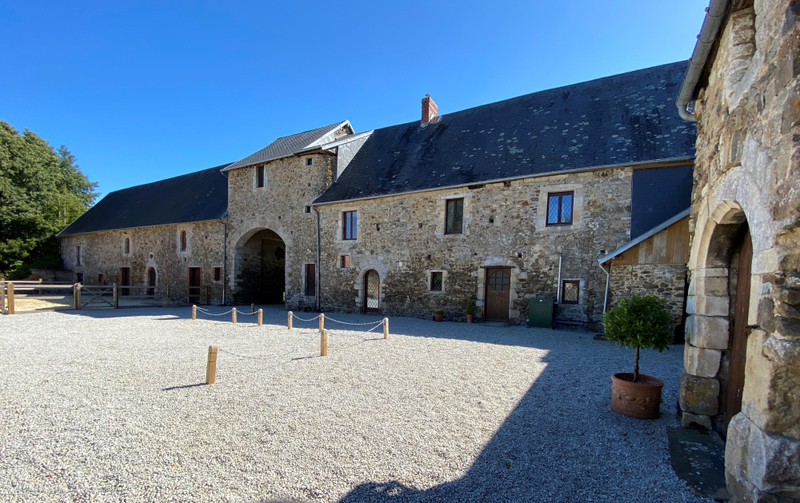 French property for sale in Saint-Martin-d'Aubigny, Manche - €477,000 - photo 2