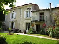 houses and homes for sale inLes EssardsCharente Poitou_Charentes