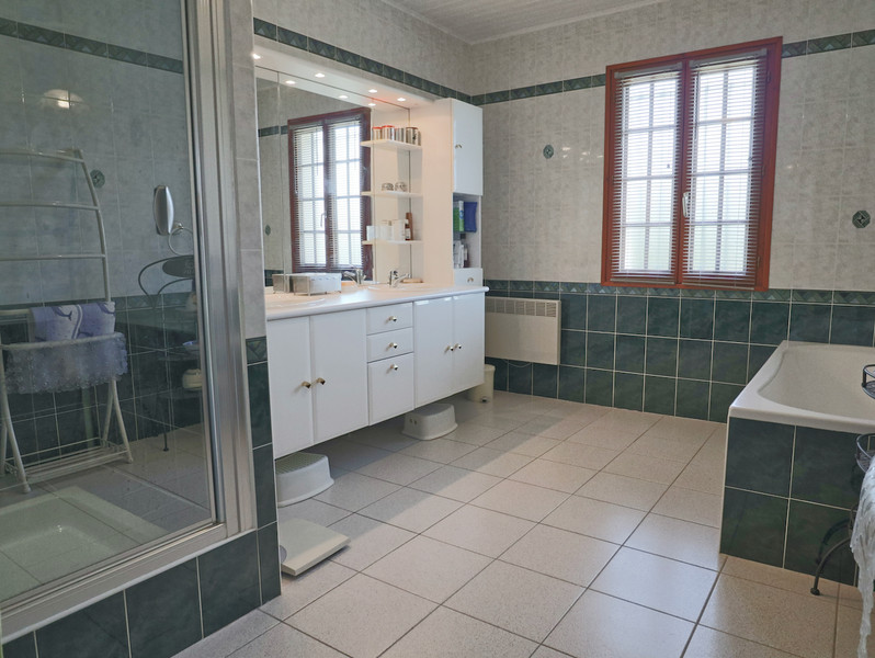 French property for sale in Saint-Aulaye, Dordogne - €429,300 - photo 6