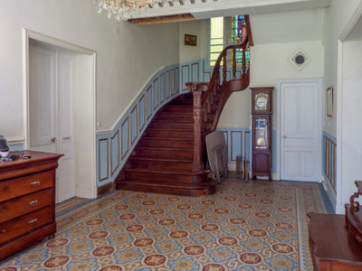 Superb 18th century chateau in the heart of historic Picardie with easy access to Paris and the Channel ports.