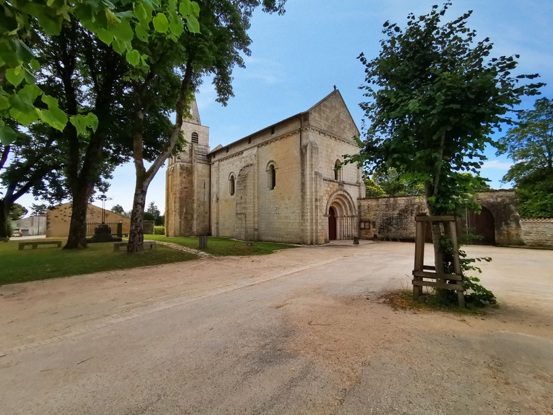 French property for sale in Cherves-Richemont, Charente - €65,600 - photo 9