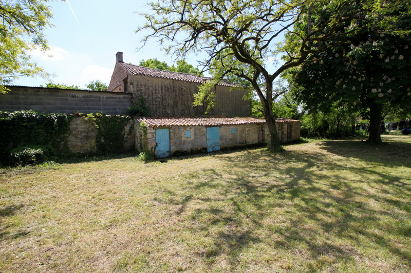 French property for sale in Fontaine-Chalendray, Charente-Maritime - €125,350 - photo 9
