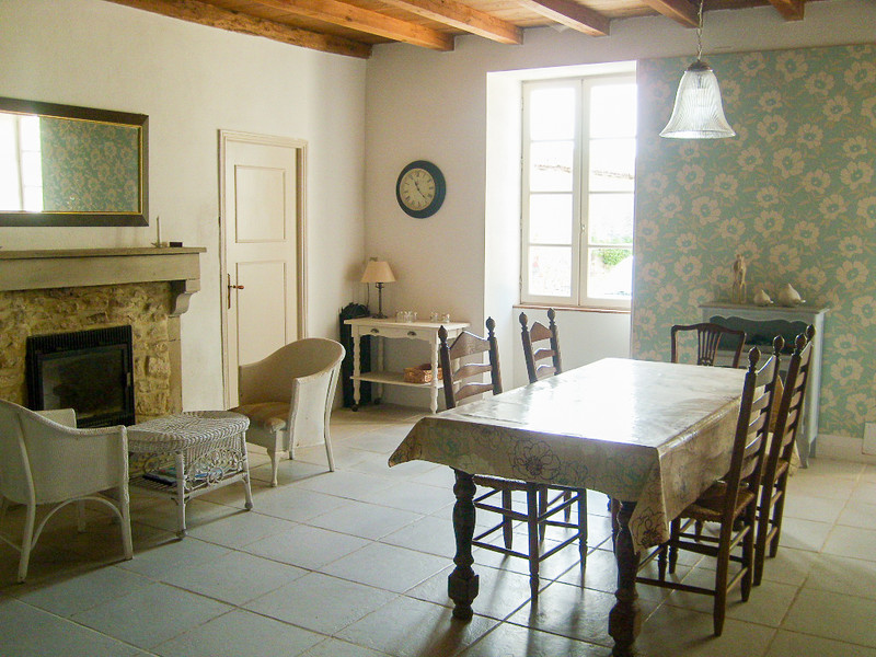 French property for sale in Contré, Charente-Maritime - €318,000 - photo 5