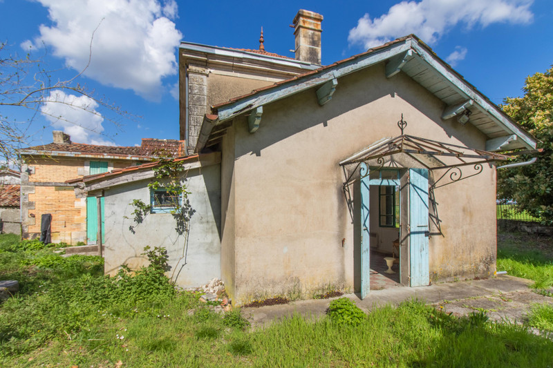 French property for sale in Montendre, Charente-Maritime - €136,250 - photo 9