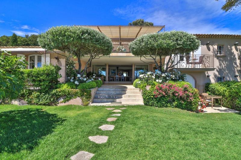 French property for sale in La Croix-Valmer, Var - €7,450,000 - photo 2