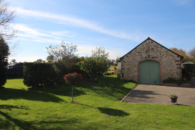French property for sale in La Selle-Craonnaise, Mayenne - €399,500 - photo 5