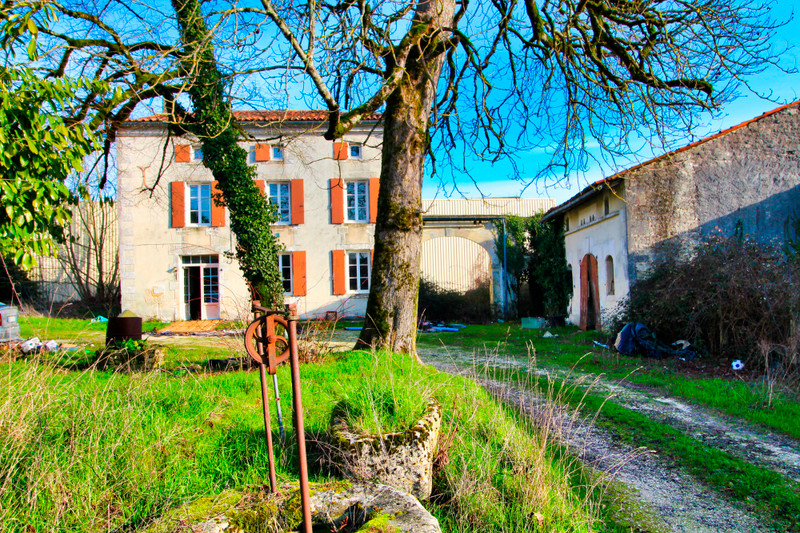 French property for sale in Verdille, Charente - €51,600 - photo 8