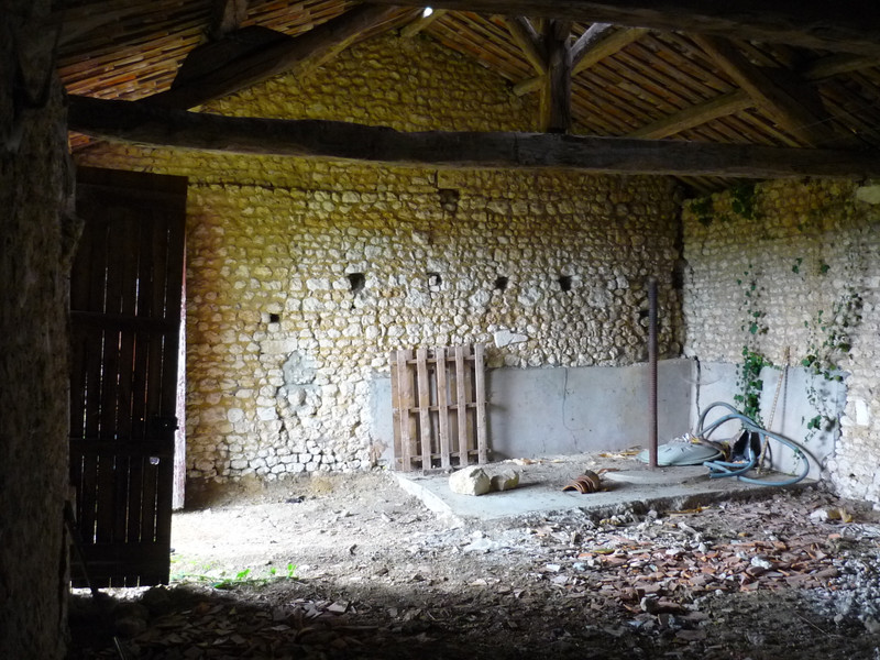 French property for sale in Villebois-Lavalette, Charente - €25,000 - photo 6