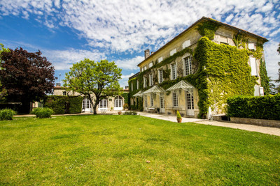 Magnificent 19th century property with its 16th century dovecot, many outbuildings, on large wooded land of 6ha with park, swimming pool, 10mns from Angoulême