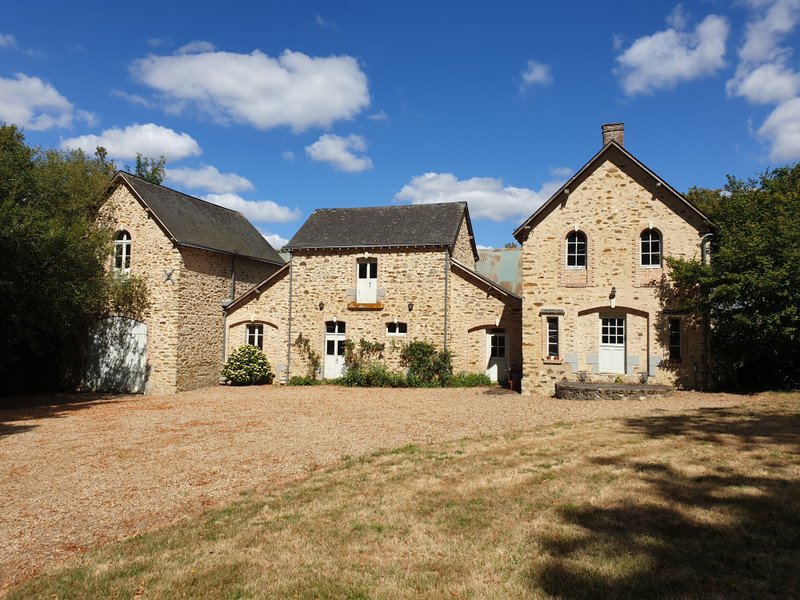 French property for sale in Entrammes, Mayenne - €848,000 - photo 10