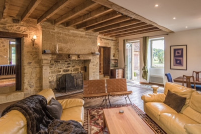 Property of exceptional character, in the heart of 10 hectares. Main house, adjoining gîtes, pool & gardens.