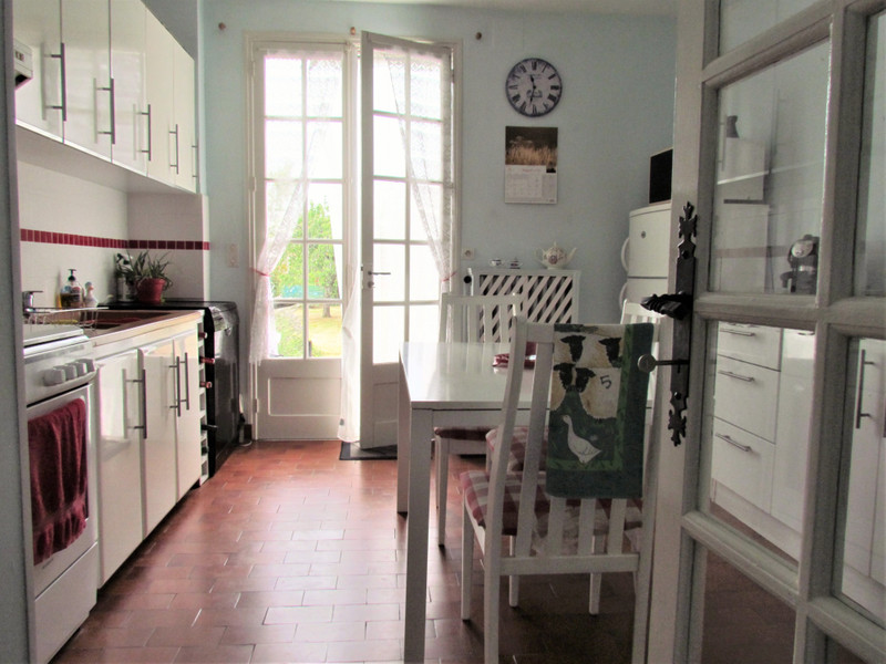 French property for sale in L'Isle-Jourdain, Vienne - €156,600 - photo 5