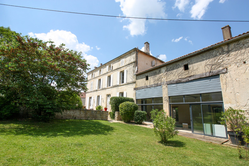 French property for sale in Dampierre-sur-Boutonne, Charente-Maritime - €381,600 - photo 9