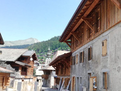 Morzine Centre - Luxury 4 bedroom Trplex Apartment in a Renovated Traditional Farmhouse from the 18th Century.