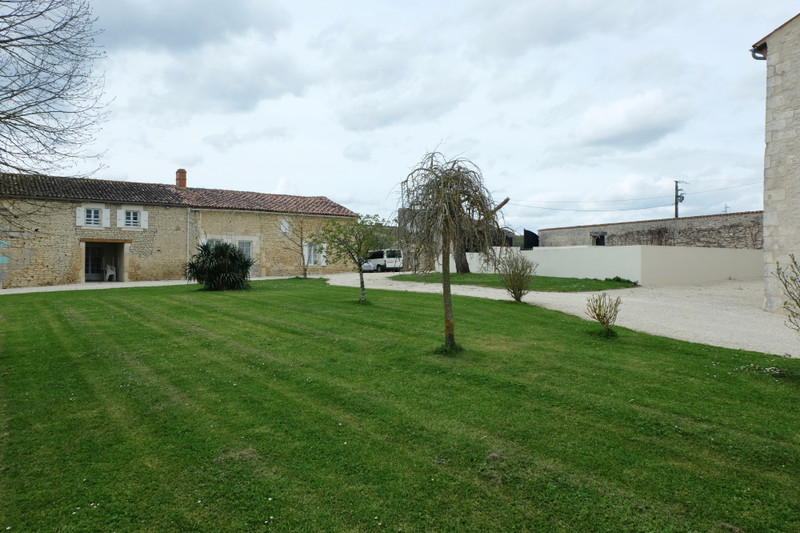 French property for sale in Saint-Hilaire-de-Villefranche, Charente Maritime - €1,100,000 - photo 10
