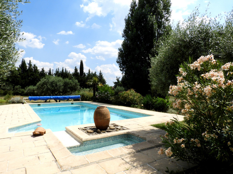French property for sale in Aups, Var - €885,000 - photo 2