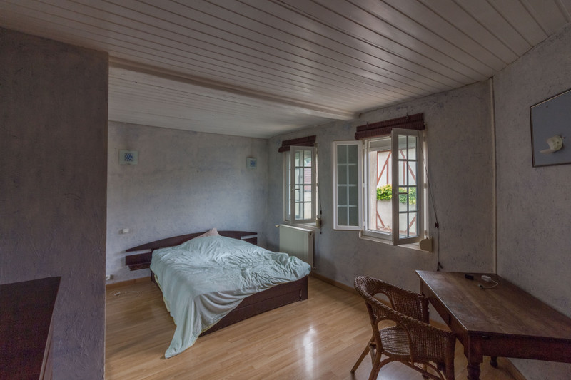 French property for sale in Gisors, Eure - €350,000 - photo 4